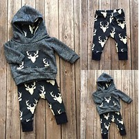 New 2018 autumn baby boy clothes fashion cotton long sleeved Deer hooded t-shirt+pants newborn 2pcs suit cute baby girl clothing