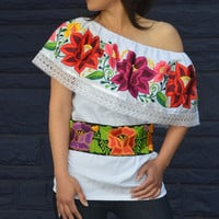 Mexican Off Shoulder Peasant Top Blouse /Tunic Embroidered Multicolor Flowers (GV Gloria Vidal)