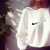 "Women/Men Fashion ""NIKE"" Round Neck Top Pullover Sweater Sweatshirt White small hook"