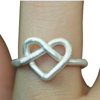 INFINITE / INFINITY Heart Love Ring/Made of Sterling silver wire and bending..