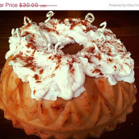 Cake Candle Bundt Generously Scented With Frosting and Multi Wicks  3lbs