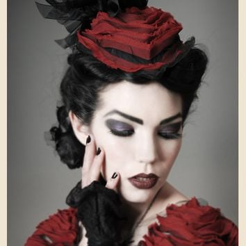 ROUGE DENDRICTIC COUTURE GOTHIC HAT