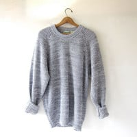 STOREWIDE SALE...vintage light gray loose knit sweater. speckled oversized sweater.