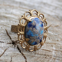 Vintage Gold Filigree Ring with Blue Stone with Gold Flecks