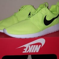 *NEW* Nike Roshe One 511881 701 Size 13 VOLT Highlighter Yellow Men's Rosherun