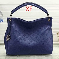 LV Louis Vuitton classic embossed letters solid color ladies shopping shoulder bag messenger bag