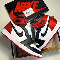 NIKE AIR JORDAN 1 High Retro Fashion Women Men Black Toe Basketball Shoes
