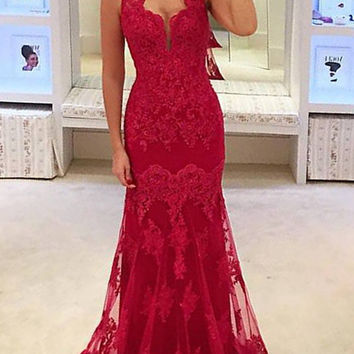 Red Lace Floor Length Sleeveless Prom Dresses