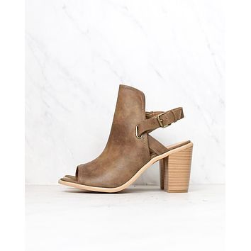 Very Volatile - Bolten Sandals in Taupe