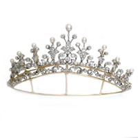 An important Victorian natural pearl and diamond tiara - Bentley & Skinner