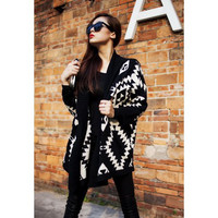 Black Abstract Pattern Batwing Sleeve Knit Cardigan