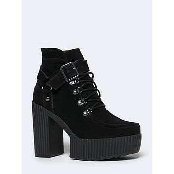 A8994L LACE UP HARNESS BOOTIE
