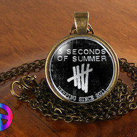 Music Band 5SoS 5 Seconds of Summer (2) Pendant Necklace Jewelry Charm  Gift