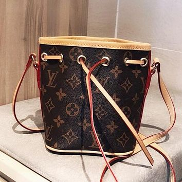 Bunchsun Louis Vuitton LV Hot Sale Women Leather Mini Bucket Bag Crossbody Satchel Shoulder Bag