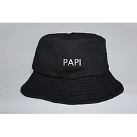 PAPI BUCKET HAT
