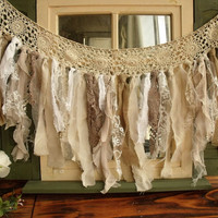 Custom Romantic ANTIQUE Lace Burlap Rag Valance Fabric Garland vintage Wedding shabby Rustic Chic Torn Curtain wall hanging