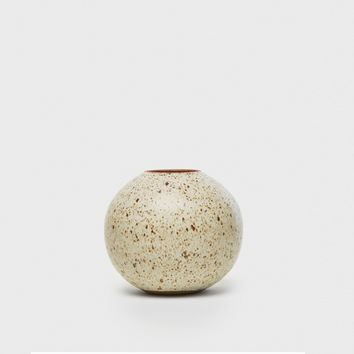 Orb Vase - Natural Speckle