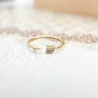 Gold Arrow Ring Gold Ring Pinky ring Dainty ring Adjustable ring Gift Christmas Gift mom Birthday Gift best friend Birthday Gift sister