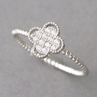 Sterling Silver Clover Ring White Gold