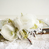 Flowers Hair Comb Wedding Rustic White and Apple Lemmon Green  Lace, Vintage Lace
