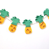Mini pineapple felt banner, party banner in yellow, green and dark green felt