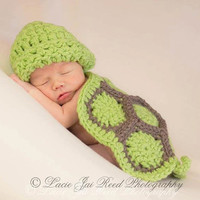 Newborn Cuddle Critter Cape Set - Hatchling Turtle Cape Set - Baby Crochet Hat - Photo Prop - Crochet Turtle