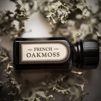 French Oakmoss - natural perfume oil with lavender, moss, lichen and grounding herbs