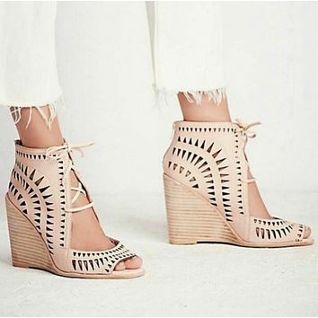 Jeffrey Campbell Cutout Heels Rodillo Beige Nude Tan Leather Wedge Sandals Size 9/9.5
