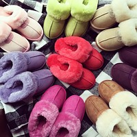 Wearwinds UGG sells fashionable and casual ladies pure velvet slippers and sandals