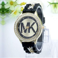 (MK )Fashion Hot Vintage Quartz Classic Watch Round Ladies Women Men wristwatch