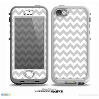 The Gray & White Chevron Pattern Skin for the iPhone 5-5s NUUD LifeProof Case for the LifeProof Skin