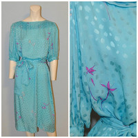 Vintage Flora Kung Silk Midi Dress Short Sleeve Blue with Pattern and Purple Flowers Size 14 Lightweight Boatneck Dress with Sash Print
