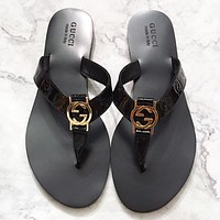 GUCCI New fashion leather shoes flip flop slippersBlack