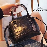 COACH 2019 new crocodile pattern women's wild mini shell bag