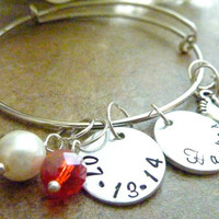 New Mom bracelet Personalized New Baby Bracelet Mommy Expandable Hand stamped Jewelry