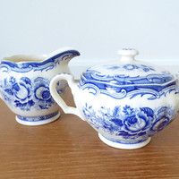 Maruta Chatham pattern blue transferware creamer and sugar bowl, Kasuga Ware c. 1940