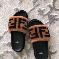 Fendi Fashion Popular Summer Women Flats Men Slipper LV Sandals Shoes