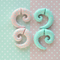 pastel fake gauges