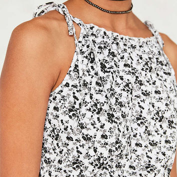 Kimchi Blue Lettuce Edge Cropped Cami - Urban Outfitters