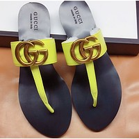 GUCCI Popular T-shaped flat sole flip flops in early spring-4