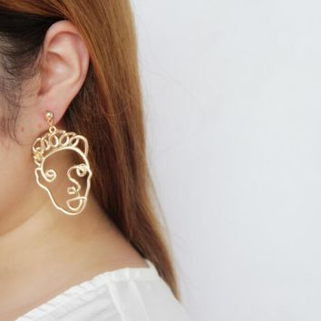 Curly Hair Face Forward Earrings