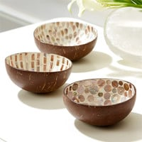 Tozai Home Natural Mother of Pearl Lacquered Coconut Bowl