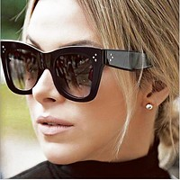The new retro cat's eye sunglasses, the trend of the box sunglasses