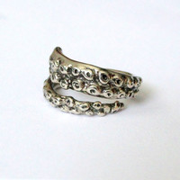 Octopus Tentacle Ring in White Bronze