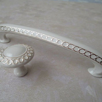 "3 3/4"" Dresser Drawer Pulls Handles Knob White Gold Circles / French Country Kitchen Cabinet Handle Knobs Pull Decorative Hardware 96 mm E07"