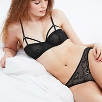 Floral Lace Briefs in Black - Urban Outfitters