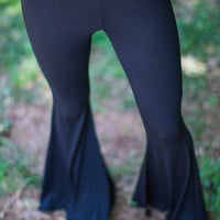 Fit and Flare Leggings in Black