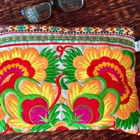 Embroidery Clutch Boho Retro Wristlet Wallet Purse bag Flowers Embroidered Hippie Cosmetic Festival fashion accessory bag for Her women gift