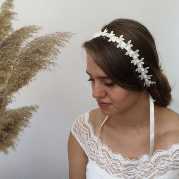 Bridal Hairpiece, Lace Leaf Headband, Pearl Headpiece, Wedding Headwrap, Embroidered Hairband, Hair Jewelry, Bridesmaid Gift, Women's Gift
