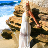 LOST ISLAND MAXI DRESS IN WHITE